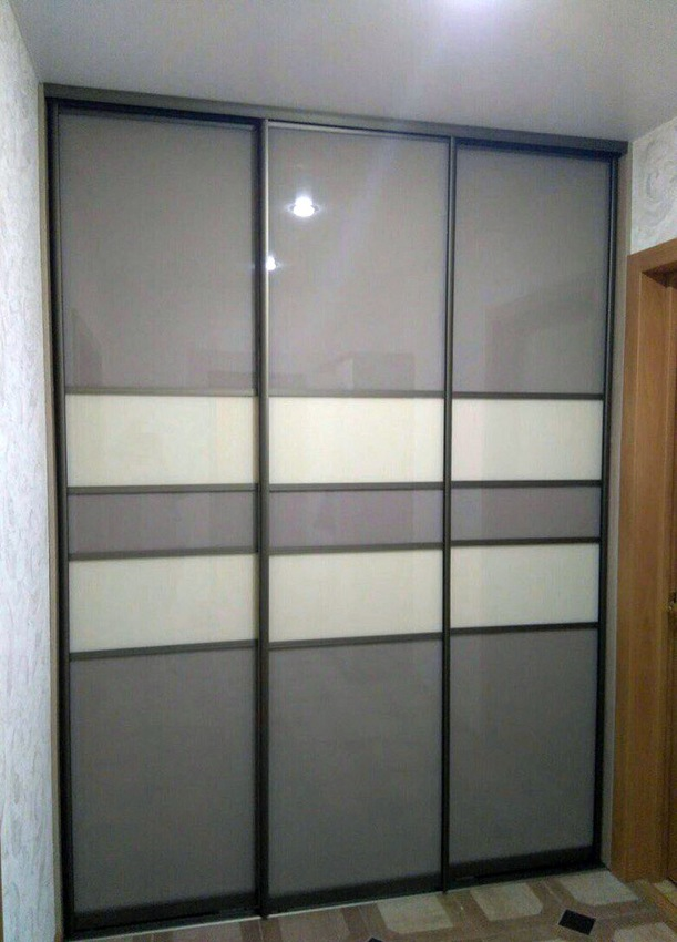 Бельевой шкаф-купе-Шкаф-купе из стекла Лакобель «Модель 295»-фото1