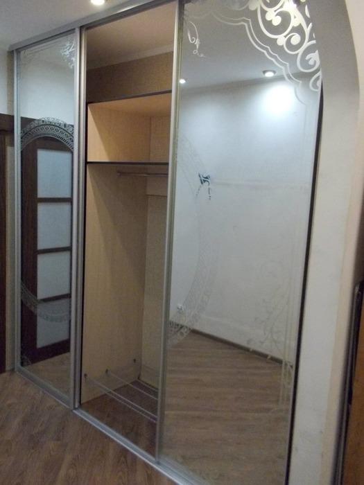 Белые шкафы-купе-Шкаф-купе с зеркалом «Модель 99»-фото3